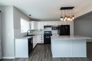 Photo 9: 1695 TOMPKINS Place in Edmonton: Zone 14 House for sale : MLS®# E4257954