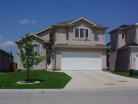 Main Photo: 230 High Ridge Road: Residential for sale (Royalwood)  : MLS®# 2307413