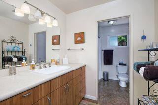 Photo 14: OCEANSIDE House for sale : 3 bedrooms : 1675 Avocado