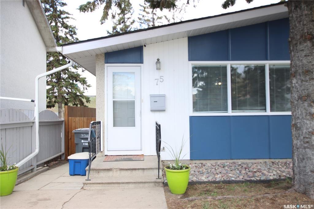 Main Photo: 75 Davidson Crescent in Saskatoon: Westview Heights Residential for sale : MLS®# SK854932