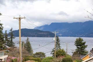 Photo 1: 6844 COPPER COVE Road in West Vancouver: Whytecliff House for sale : MLS®# R2045747
