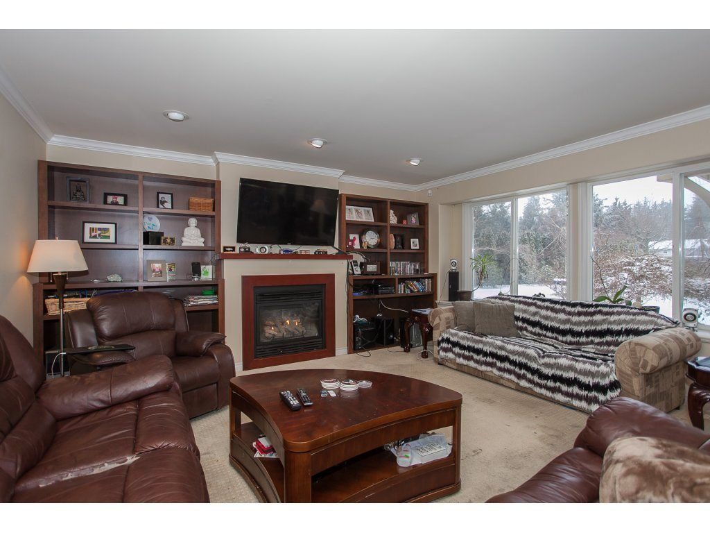 "Photo 4: Photos: 25125 57 Avenue in Langley: Salmon River House for sale in ""Strawberry Hills"" : MLS®# R2136212"