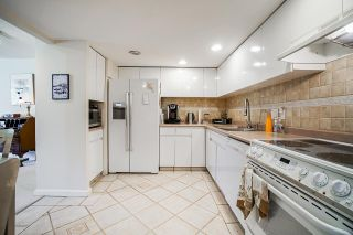 """Photo 10: 108 1450 PENNYFARTHING Drive in Vancouver: False Creek Condo for sale in """"HARBOUR COVE"""" (Vancouver West)  : MLS®# R2459679"""