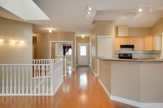 Photo 5: 212 SIMCOE Place SW in Calgary: Signal Hill Semi Detached for sale : MLS®# C4293353