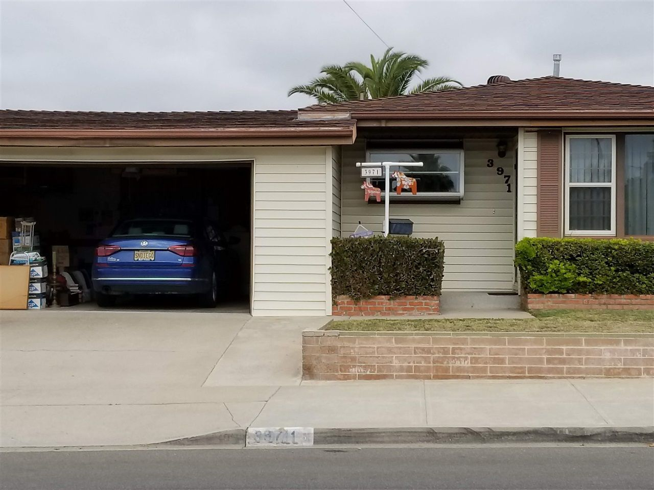 Main Photo: CLAIREMONT House for sale : 3 bedrooms : 3971 Anastasia St in San Diego