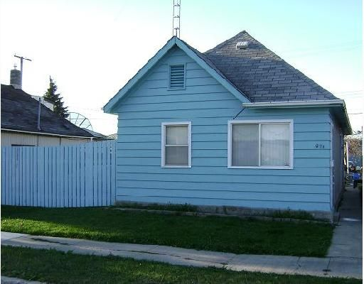 Main Photo: 970 ALEXANDER Avenue in WINNIPEG: Brooklands / Weston Residential for sale (West Winnipeg)  : MLS®# 2718239
