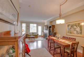 "Photo 3: 22 3711 ROBSON Court in Richmond: Terra Nova Townhouse for sale in ""Tennyson Gardens"" : MLS®# R2154262"