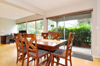 "Photo 7: 720 WESTVIEW Crescent in North Vancouver: Central Lonsdale Condo for sale in ""Cypress Gardens"" : MLS®# R2370300"