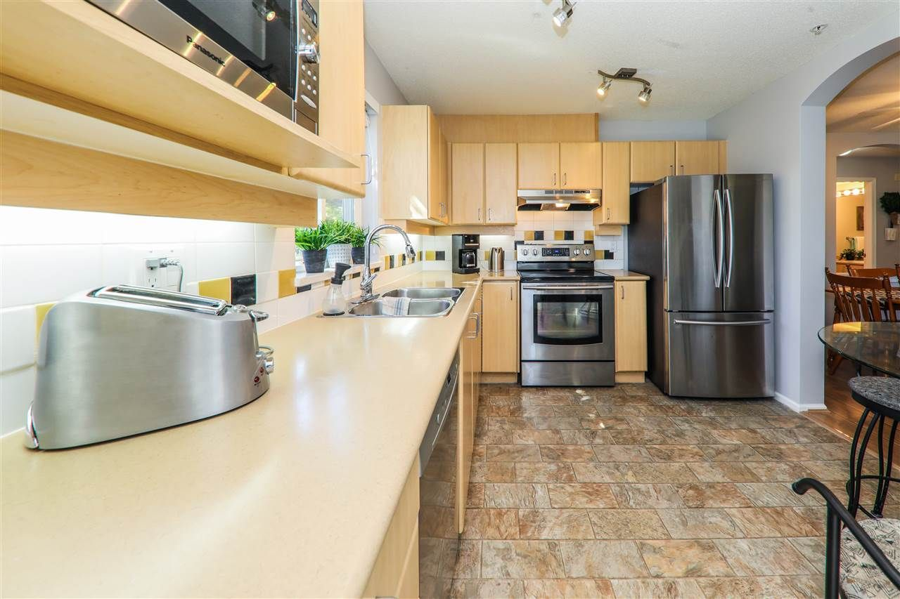 """Photo 3: Photos: 114 6336 197 Street in Langley: Willoughby Heights Condo for sale in """"Rockport"""" : MLS®# R2288453"""