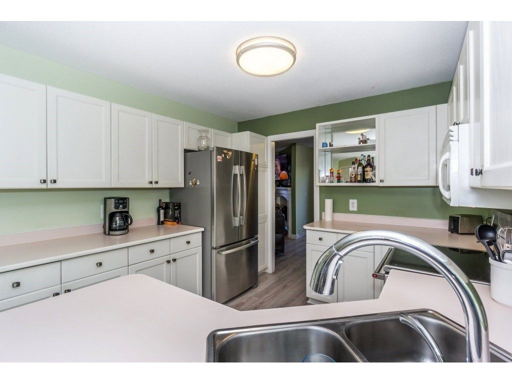 """Photo 10: Photos: 72 21928 48 Avenue in Langley: Murrayville Townhouse for sale in """"Murray Glen"""" : MLS®# R2229327"""