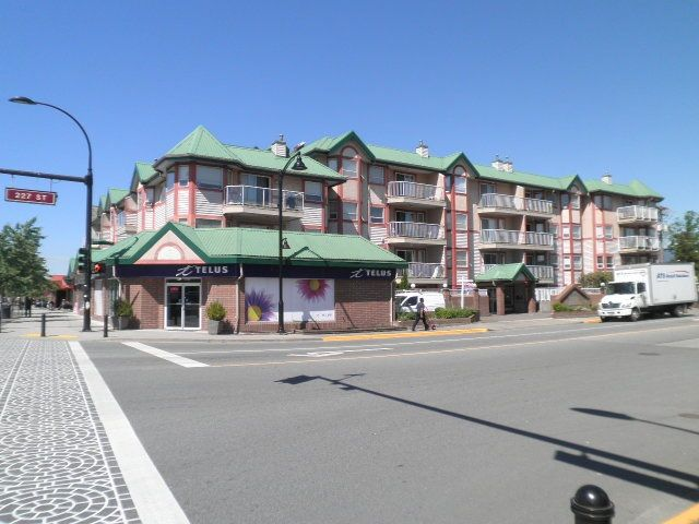 Main Photo: 105 22661 LOUGHEED Highway in Maple Ridge: East Central Condo for sale : MLS®# R2076851