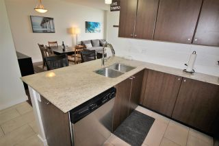 """Photo 6: 2003 280 ROSS Drive in New Westminster: Fraserview NW Condo for sale in """"THE CARLYLE"""" : MLS®# R2278422"""