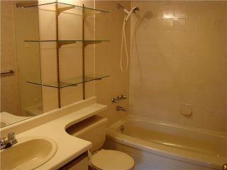 """Photo 5: 6 5760 174TH Street in Surrey: Cloverdale BC Townhouse for sale in """"STETSON VILLAGE"""" (Cloverdale)  : MLS®# F1313653"""