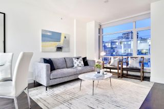 """Photo 1: 410 131 E 3RD Street in North Vancouver: Lower Lonsdale Condo for sale in """"THE ANCHOR"""" : MLS®# R2505772"""