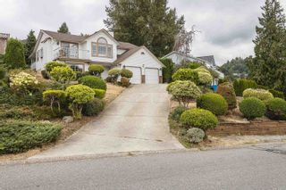 Photo 2: 2375 MOUNTAIN DRIVE in Abbotsford: Abbotsford East House for sale : MLS®# R2610988
