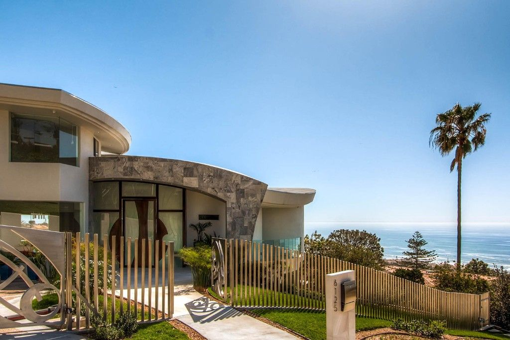 Photo 3: Photos: Residential for sale : 5 bedrooms :  in La Jolla