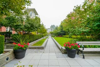 """Photo 54: 210 2940 KING GEORGE Boulevard in Surrey: King George Corridor Condo for sale in """"HIGH STREET"""" (South Surrey White Rock)  : MLS®# R2496807"""