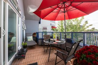 """Photo 1: 401 1924 COMOX Street in Vancouver: West End VW Condo for sale in """"WINDGATE by the PARK"""" (Vancouver West)  : MLS®# R2617561"""