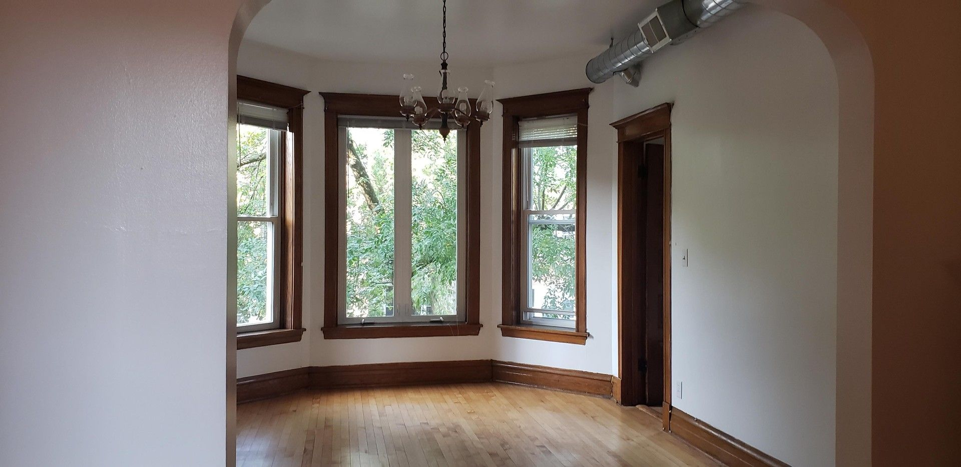 Photo 3: Photos: 2715 Evergreen Avenue Unit 2 in Chicago: CHI - West Town Residential Lease for lease ()  : MLS®# 10877768