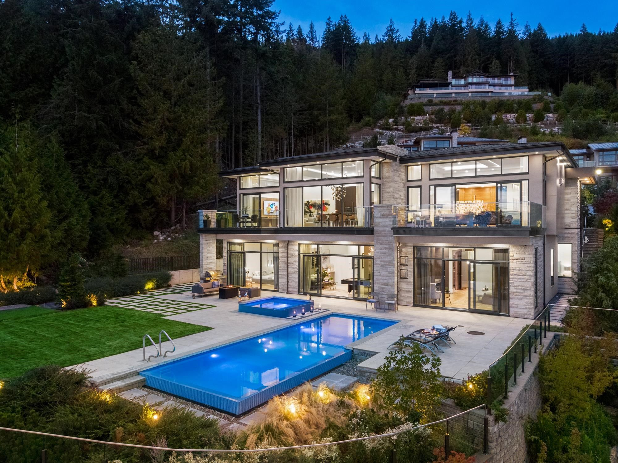 Main Photo: 2931 BURFIELD Place in West Vancouver: Cypress Park Estates House for sale : MLS®# R2621756