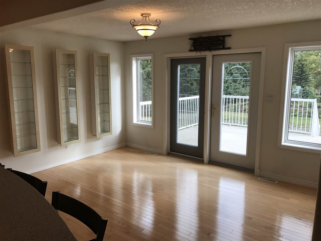 Photo 9: Photos: 9813 269 Road in Fort St. John: Fort St. John - Rural W 100th House for sale (Fort St. John (Zone 60))  : MLS®# R2208403