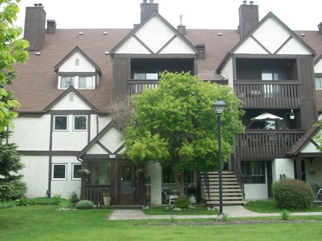 Main Photo: 109 Swindon Way in WINNIPEG: River Heights / Tuxedo / Linden Woods Condominium for sale (South Winnipeg)  : MLS®# 1210658