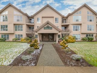 Photo 1: 305 335 W Hirst Ave in : PQ Parksville Condo for sale (Parksville/Qualicum)  : MLS®# 866145