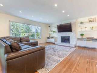 Photo 8: 890 RUNNYMEDE Avenue in Coquitlam: Coquitlam West House for sale : MLS®# R2567229