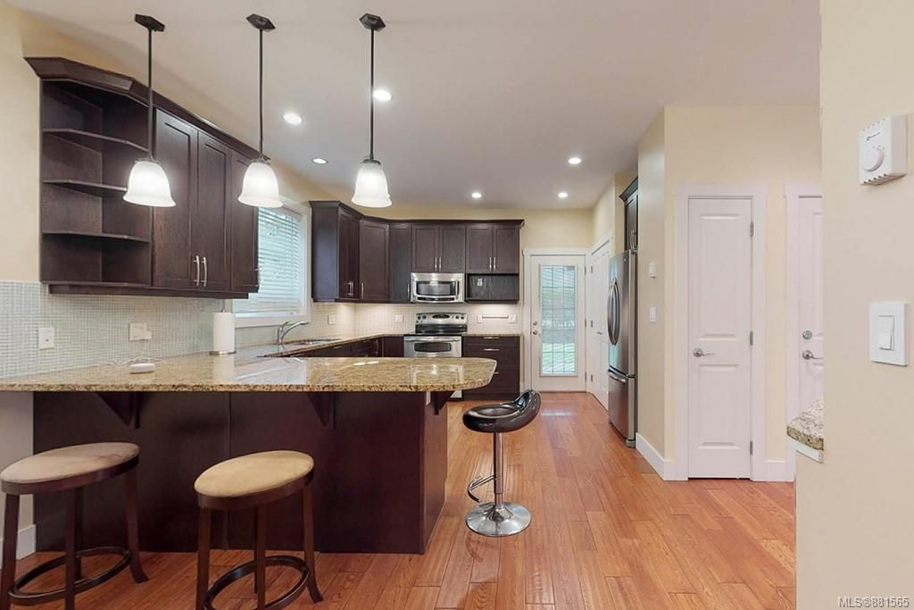 Photo 5: Photos: 990 Arngask Ave in : La Bear Mountain House for sale (Langford)  : MLS®# 881565