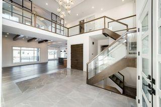 Photo 2: 2728 Wheaton Drive in Edmonton: Zone 56 House for sale : MLS®# E4233461
