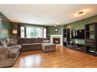Photo 3: 3 10045 154 STREET in Surrey: Guildford Townhouse for sale (North Surrey)  : MLS®# R2472990