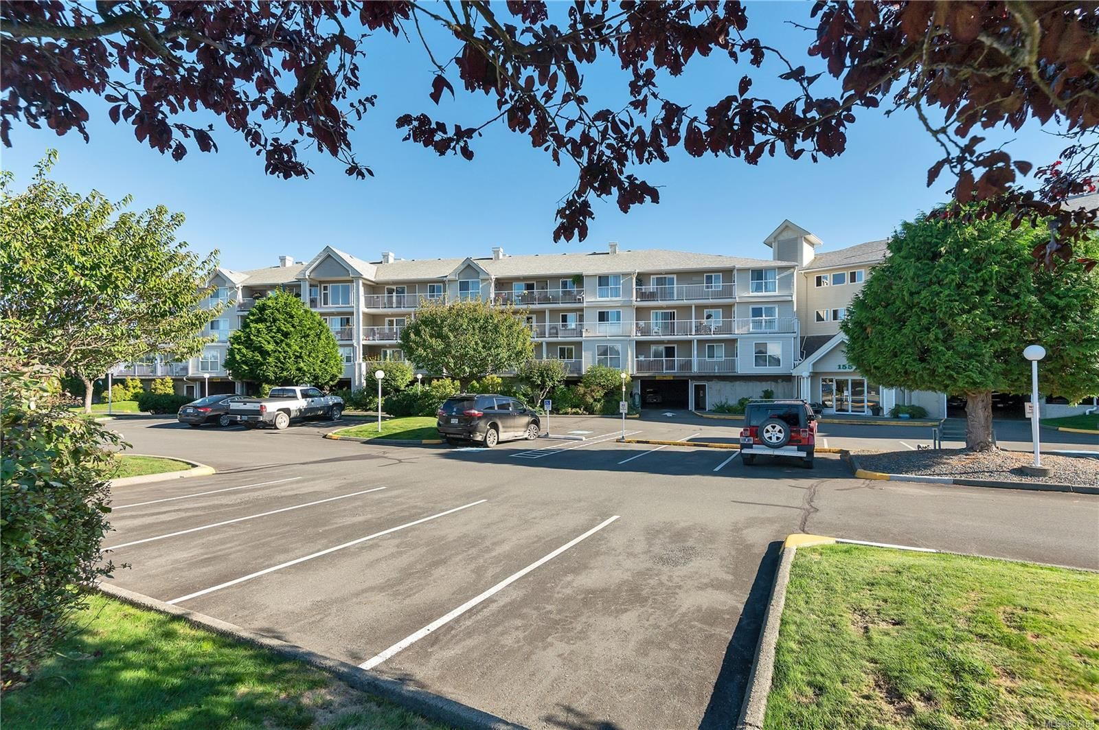 Main Photo: 316 155 Erickson Rd in : CR Campbell River South Condo for sale (Campbell River)  : MLS®# 857183