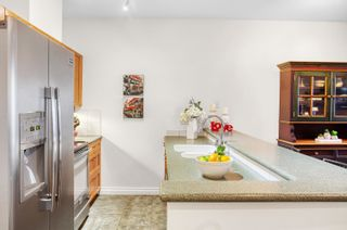 """Photo 8: 305 131 W 3RD Street in North Vancouver: Lower Lonsdale Condo for sale in """"Seascape Landing"""" : MLS®# R2610533"""