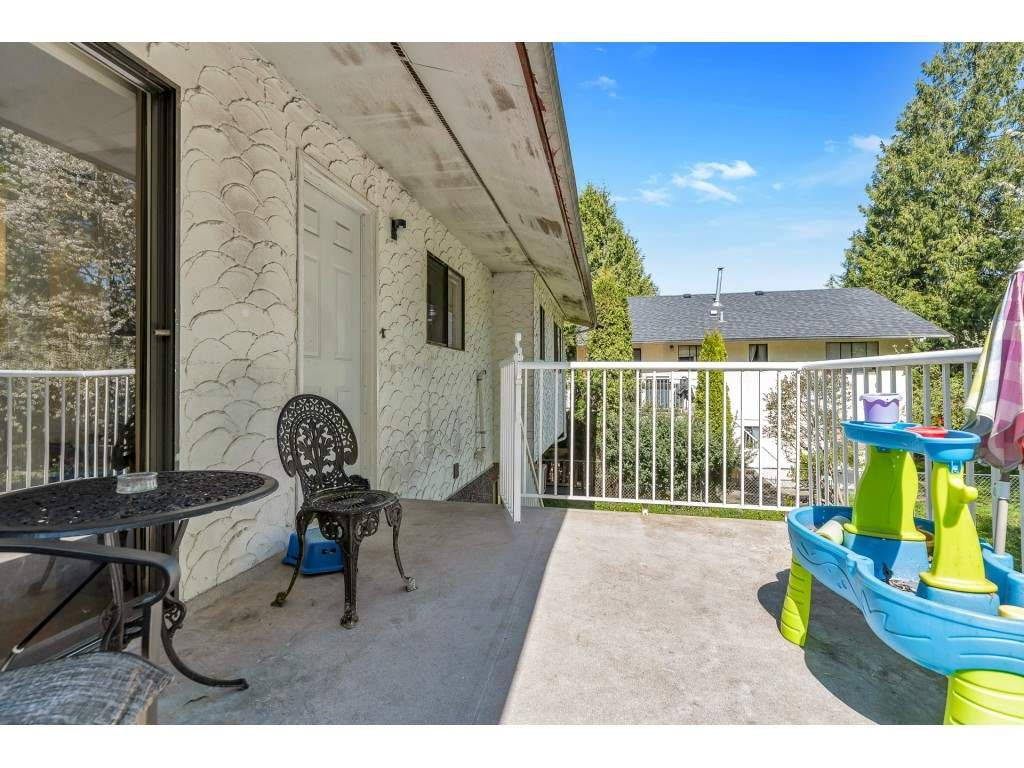 Photo 12: Photos: 10276 145 Street in Surrey: Guildford House for sale (North Surrey)  : MLS®# R2566192