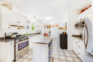 Photo 5: 250 Michigan St in : Vi Downtown Half Duplex for sale (Victoria)  : MLS®# 870079