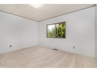 """Photo 13: 293 1840 160 Street in Surrey: King George Corridor Manufactured Home for sale in """"Breakaway Bays"""" (South Surrey White Rock)  : MLS®# R2616077"""
