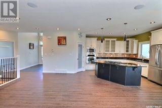 Photo 5: 33 Gillingham CRES in Prince Albert: House for sale : MLS®# SK860441