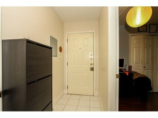 Photo 4: 203 3308 VANNESS Avenue in Vancouver: Collingwood VE Condo for sale (Vancouver East)  : MLS®# V1103547