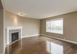 Photo 9: 151 Douglas Woods Hill SE in Calgary: Douglasdale/Glen Detached for sale : MLS®# A1092214