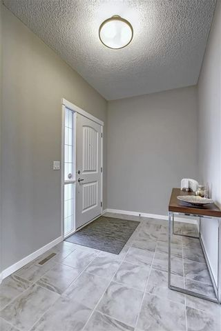 Photo 2: 461 NOLAN HILL Boulevard NW in Calgary: Nolan Hill Detached for sale : MLS®# C4296999