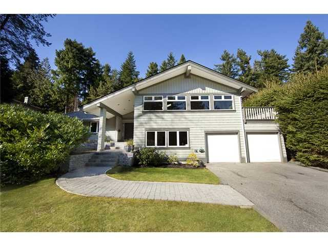 """Main Photo: 4640 WOODBURN RD in West Vancouver: Cypress Park Estates House for sale in """"CYPRESS PARK ESTATES"""" : MLS®# V936602"""