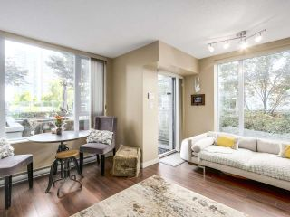 Photo 2: 1438 SEYMOUR MEWS in Vancouver: Yaletown Townhouse for sale (Vancouver West)  : MLS®# R2201290