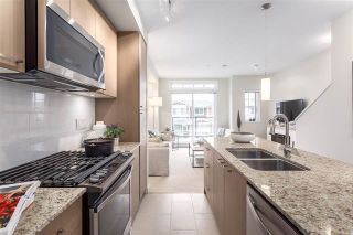 """Photo 3: 5928 OLDMILL Lane in Sechelt: Sechelt District Townhouse for sale in """"EDGEWATER AT PORPOISE BAY"""" (Sunshine Coast)  : MLS®# R2397093"""