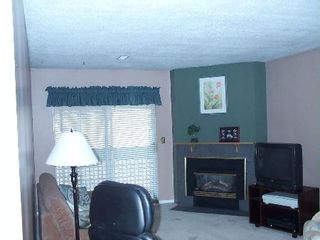 Photo 2: # 321 34909 OLD YALE RD in Abbotsford: House for sale : MLS®# F2722857