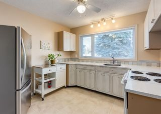Photo 13: 2851 63 Avenue SW in Calgary: Lakeview Detached for sale : MLS®# A1074382