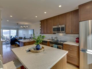 """Photo 6: 408 CROSSCREEK Road: Lions Bay Townhouse for sale in """"The Cedars"""" (West Vancouver)  : MLS®# R2514605"""