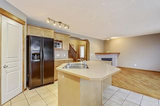 Photo 10: 38 SOMERSIDE Crescent SW in Calgary: Somerset House for sale : MLS®# C4142576