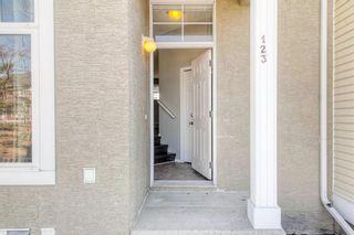 Photo 3: 123 Mckenzie Towne Gate SE in Calgary: McKenzie Towne Row/Townhouse for sale : MLS®# A1083027