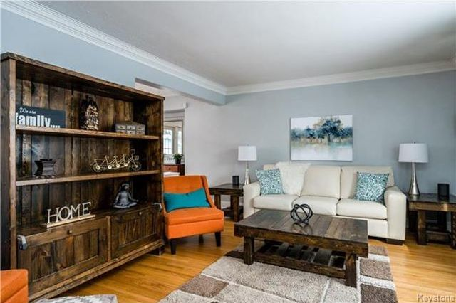 Photo 2: Photos: 657 Waterloo Street in Winnipeg: River Heights South Residential for sale (1D)  : MLS®# 1803912