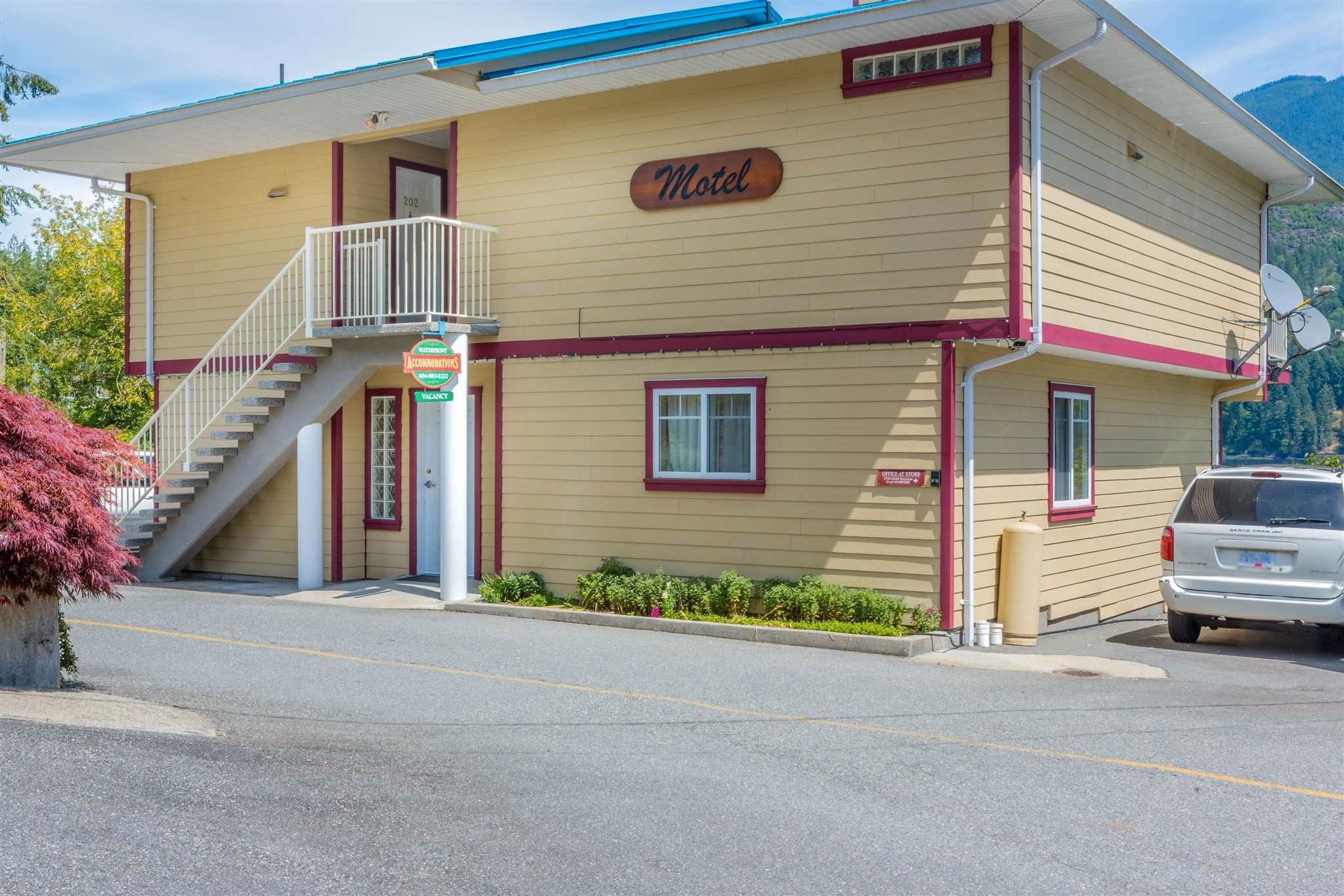 Photo 7: Photos: 6781 BATHGATE Road in Egmont: Pender Harbour Egmont House for sale (Sunshine Coast)  : MLS®# R2593981